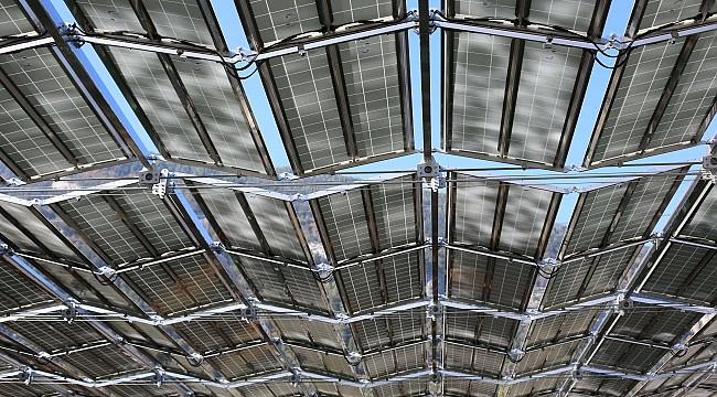 Dünyanın ilk katlanabilen güneş paneli çatısına NORD DRIVESYSTEMS hareket veriyor